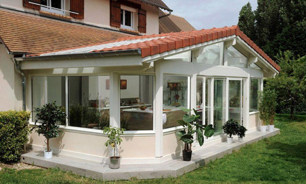 4 types de toit de véranda – Quel est le meilleur pour votre maison?