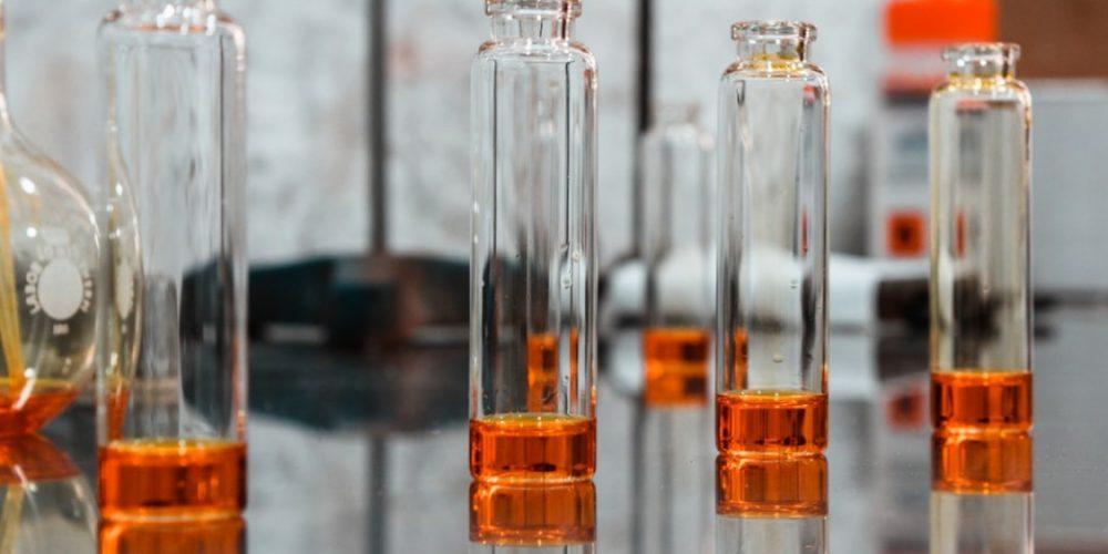 La différence entre les parfums à base d'alcool et sans alcool