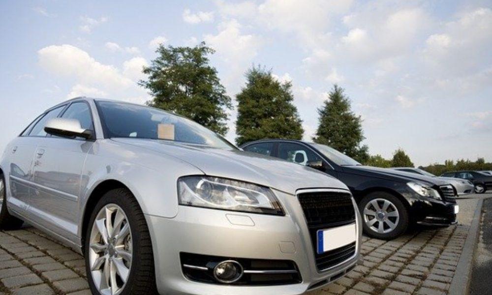 Cinq raisons d'acheter un véhicule chez un concessionnaire automobile