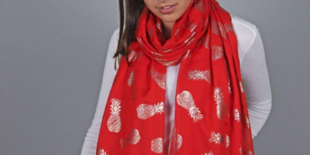Le foulard en soie, un accessoire de mode facile à assortir